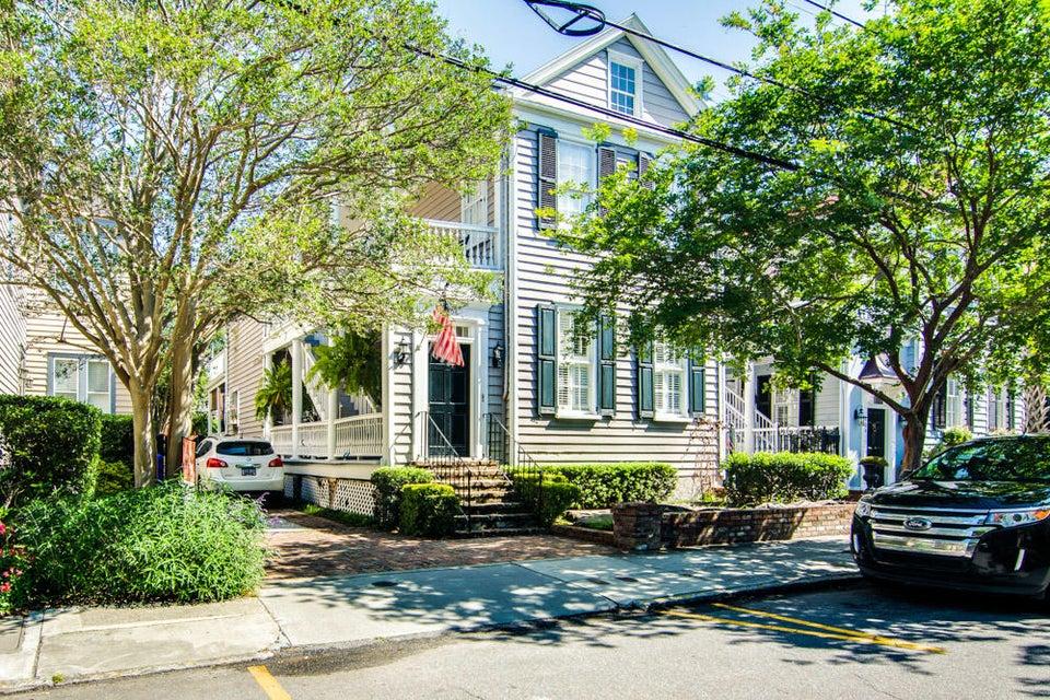 106  Queen Street Charleston, SC 29401