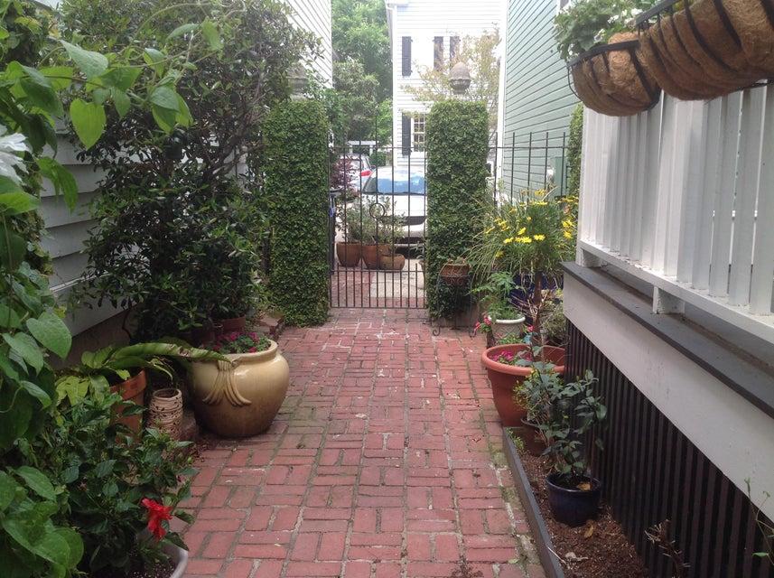 17  Menotti Street Charleston, SC 29401
