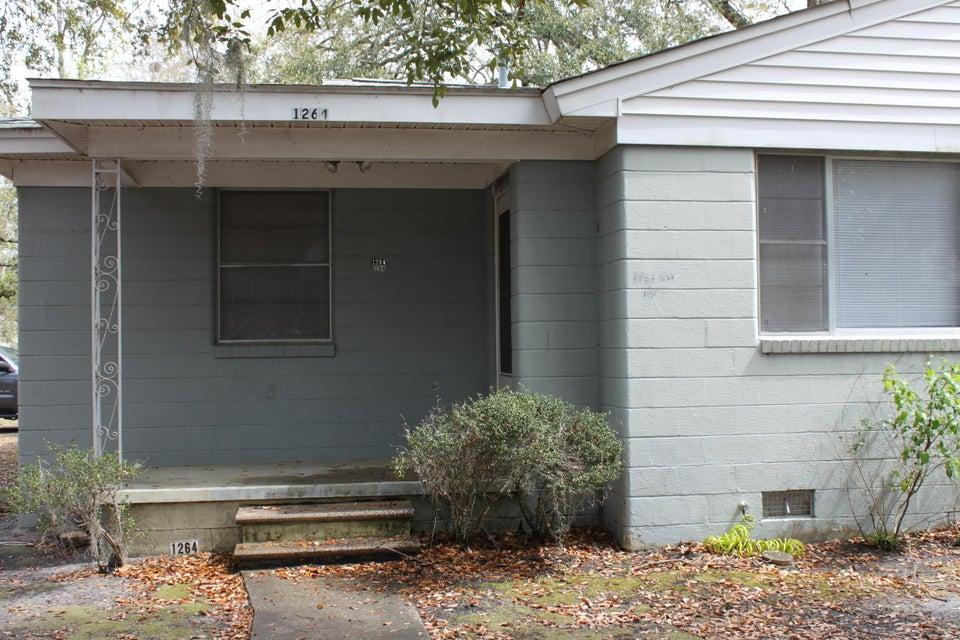 1264  Wisteria Road Charleston, SC 29407