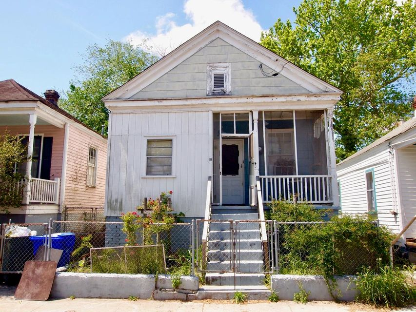 19 N Tracy Street Charleston, SC 29403
