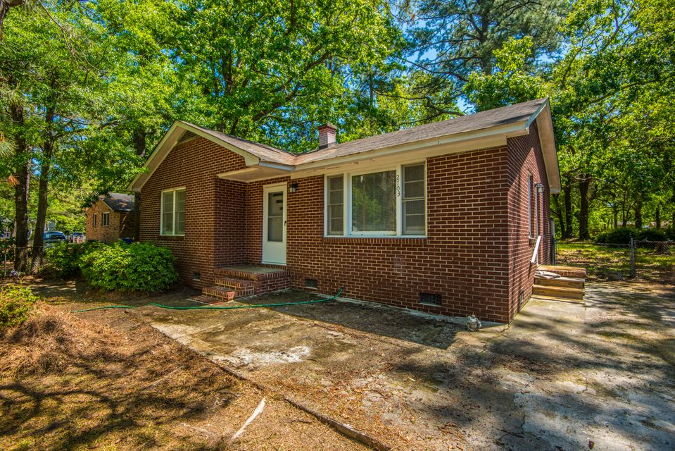 2703 N Oakridge Circle North Charleston, SC 29420