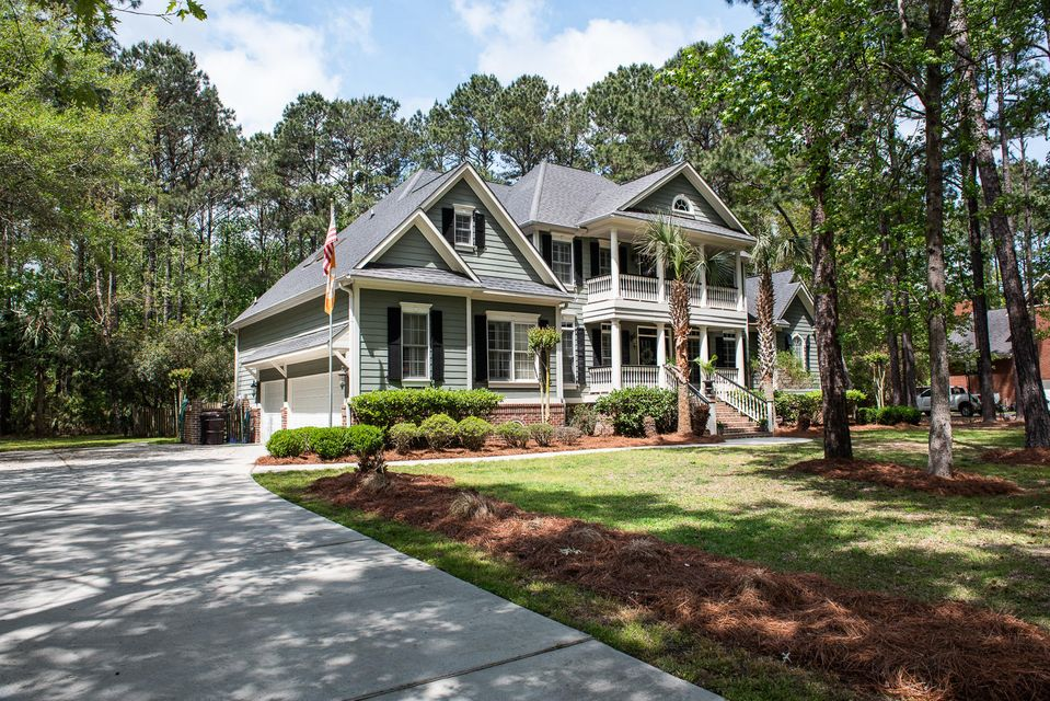 2220  Black Oak Court Mount Pleasant, SC 29466