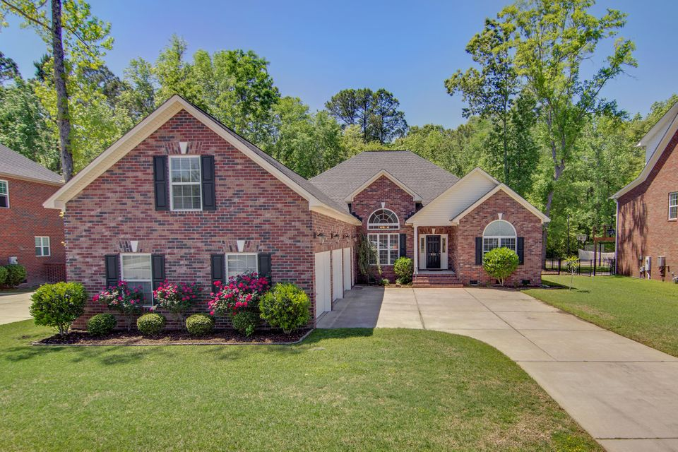 8732 Alexandria Drive North Charleston, SC 29420