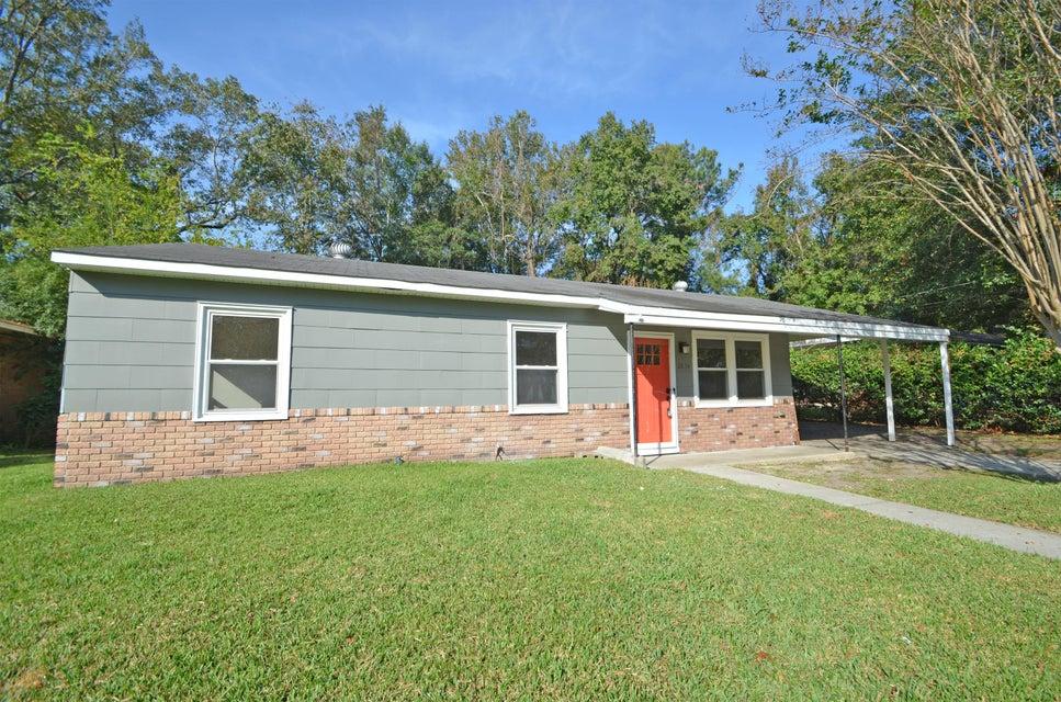 2634  Lilac Avenue North Charleston, SC 29405