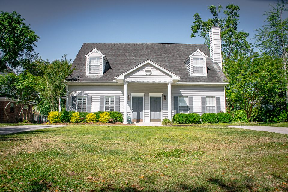 3057  Queensgate Way Mount Pleasant, SC 29466