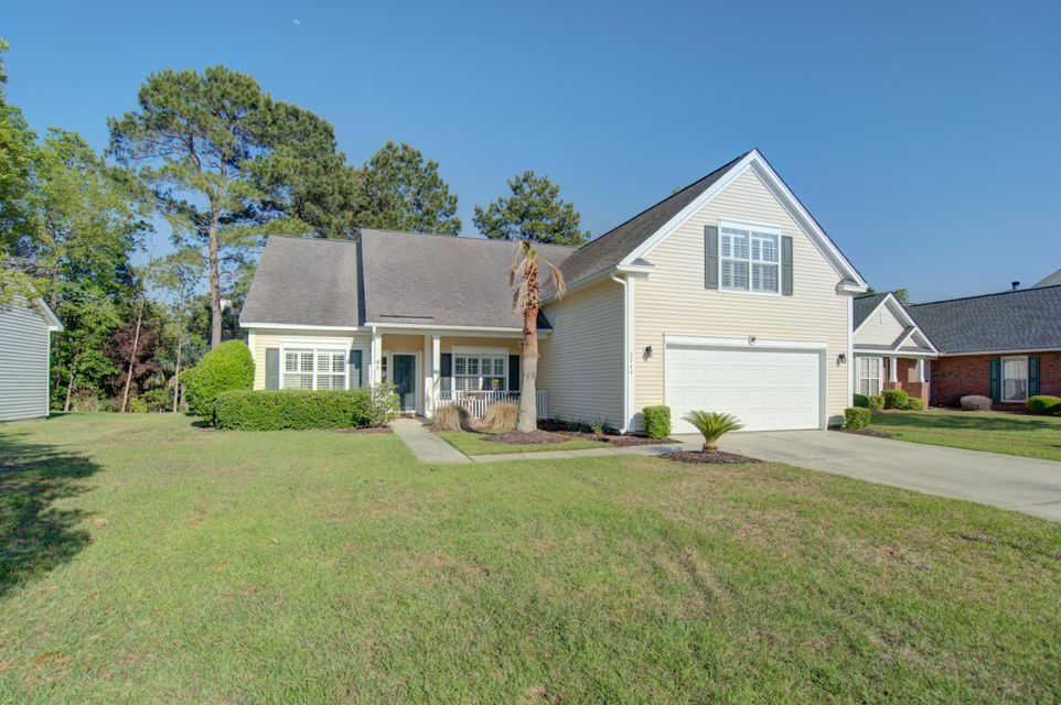 2744  Palmetto Hall Boulevard Mount Pleasant, SC 29466