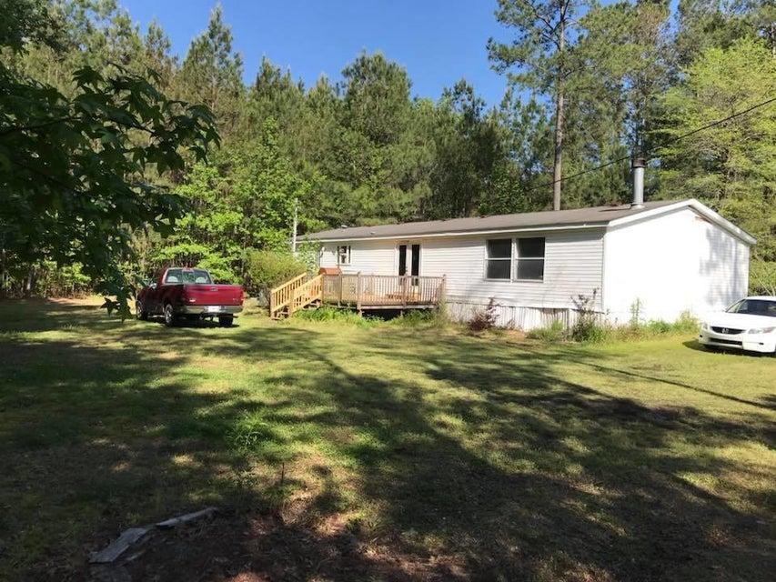 165 Queen Drive Ridgeville, SC 29472