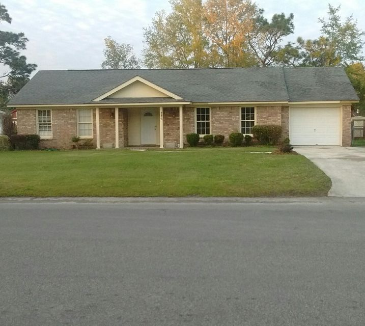 225 Longleaf Road Summerville, SC 29486