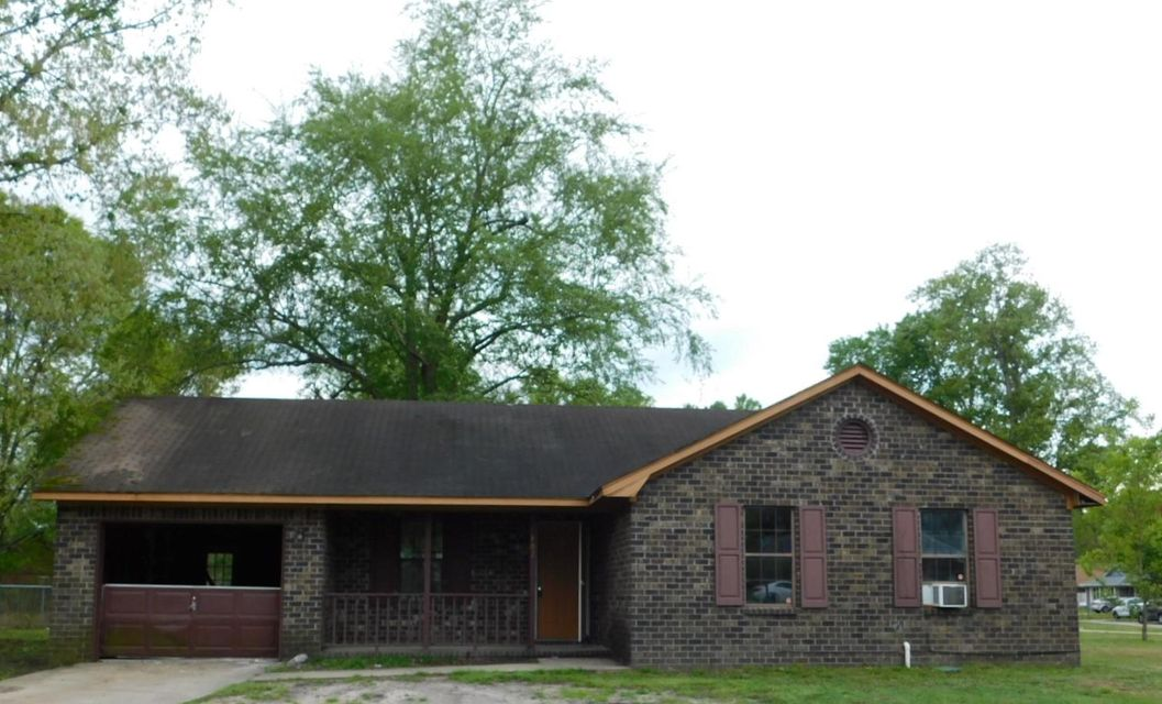402 Carolina Circle Ladson, SC 29456