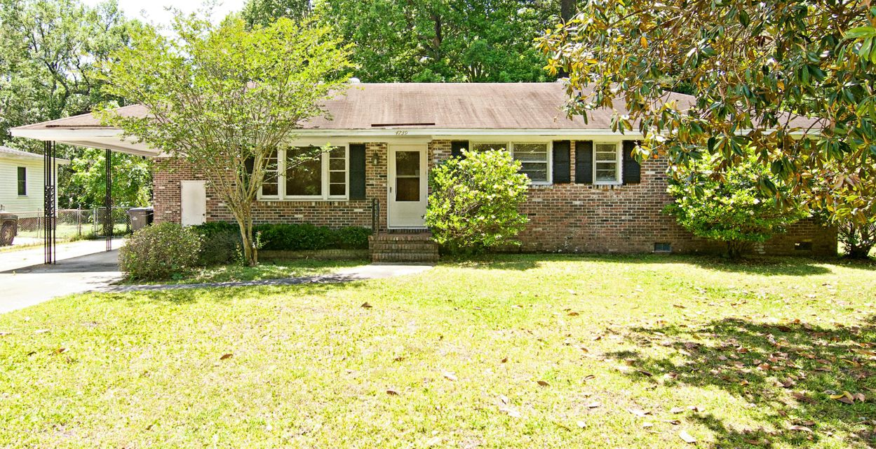 4739 Mimosa Street North Charleston, SC 29405