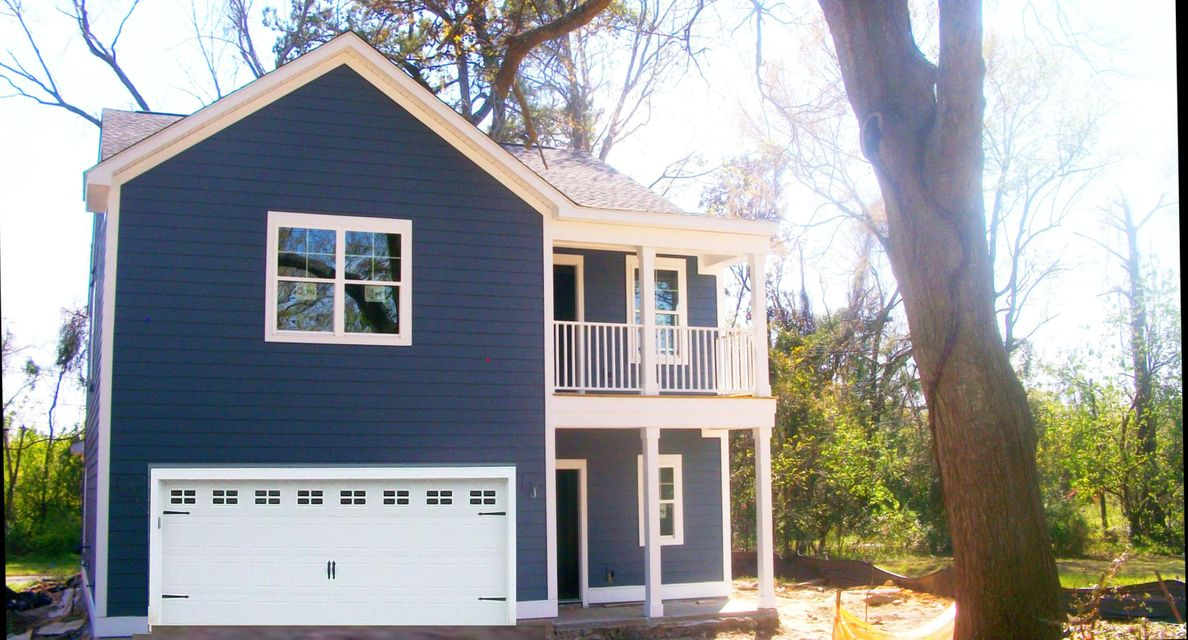 1181  Leary Street North Charleston, SC 29406