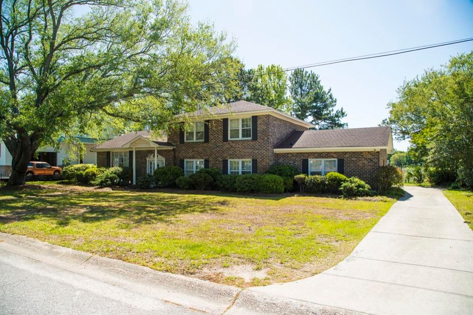 1074  Meader Lane Mount Pleasant, SC 29464