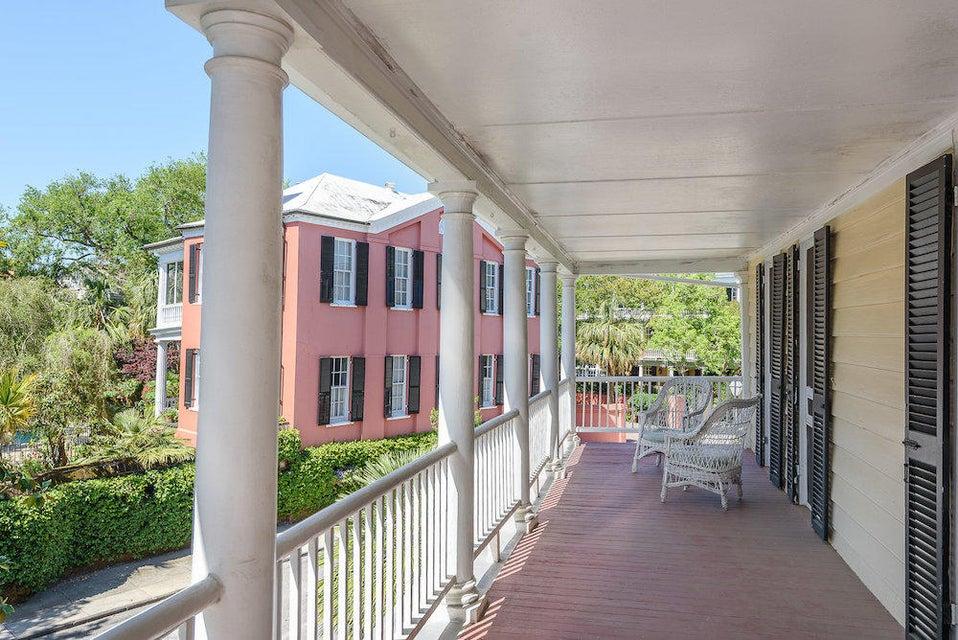10  Water Street Charleston, SC 29401