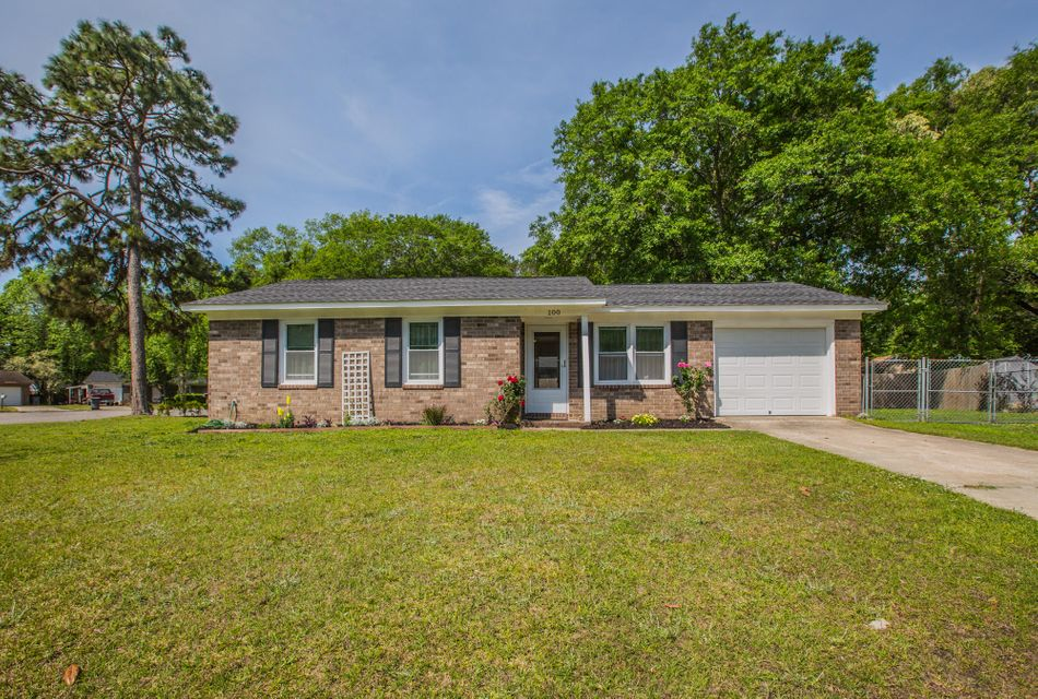 100 Kirk Ct Summerville, SC 29486