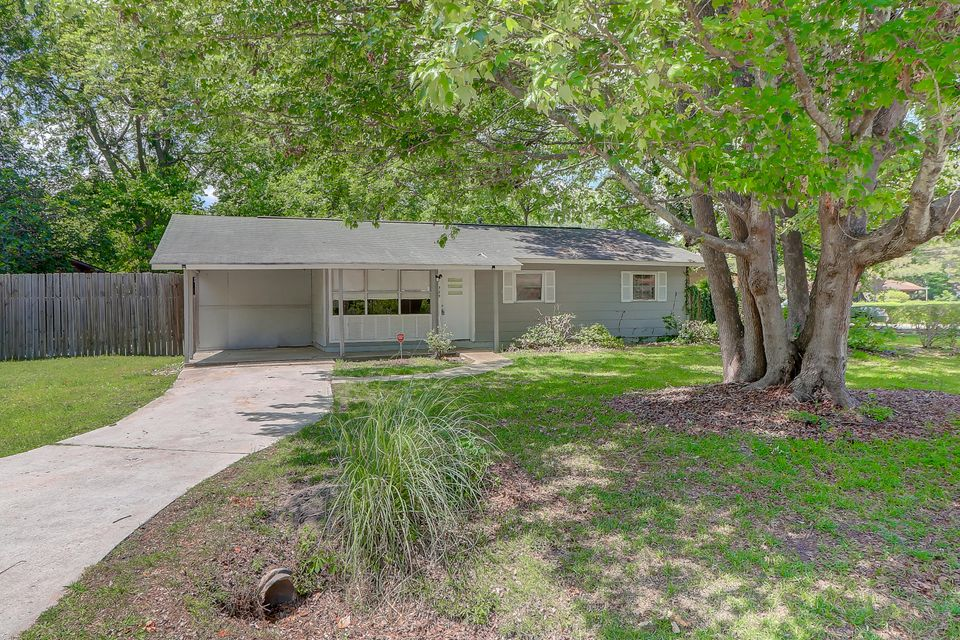 829 Locksley Drive Charleston, SC 29407