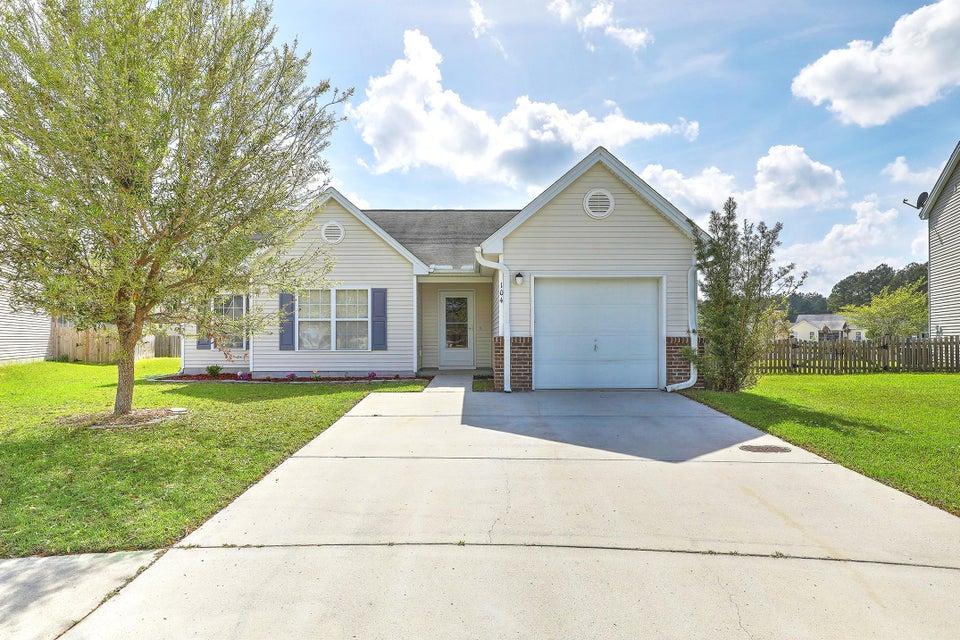 104 Cranston Lane Summerville, SC 29483