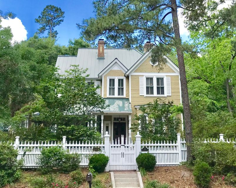 108 E Carolina Avenue Summerville, SC 29483