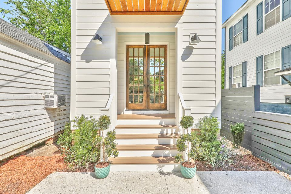 12  Strawberry Lane Charleston, SC 29403