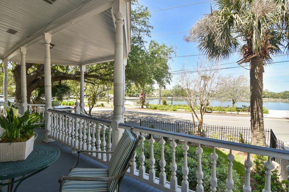 28  Rutledge Avenue Charleston, SC 29401