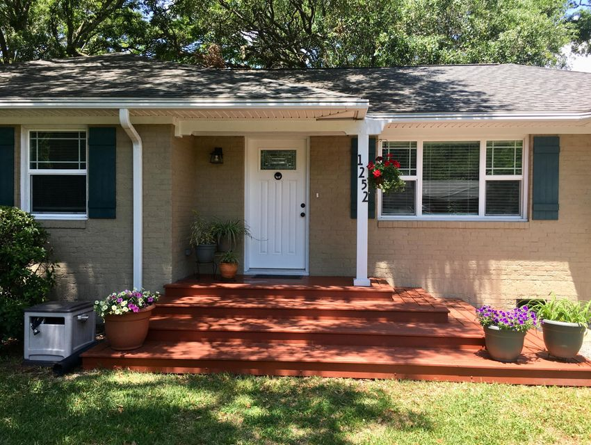 1252 Marvin Avenue Charleston, SC 29407