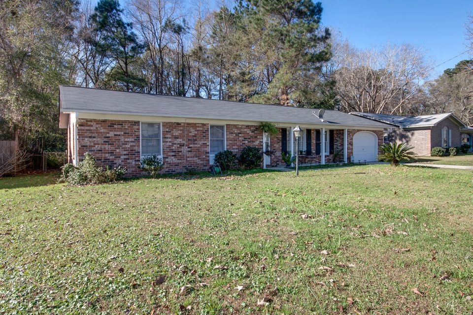 8251  Delhi Road North Charleston, SC 29406
