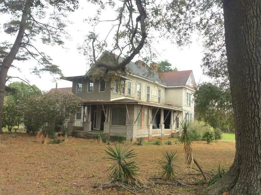 4756 Old State Road Holly Hill, SC 29059