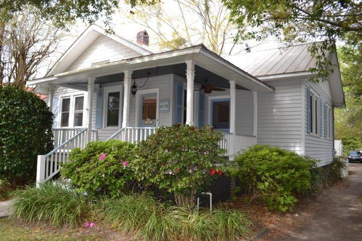 208 S Magnolia Street Summerville, SC 29483
