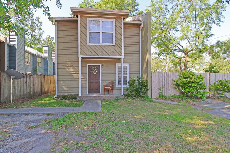 716 W 5TH North Street Summerville, SC 29483