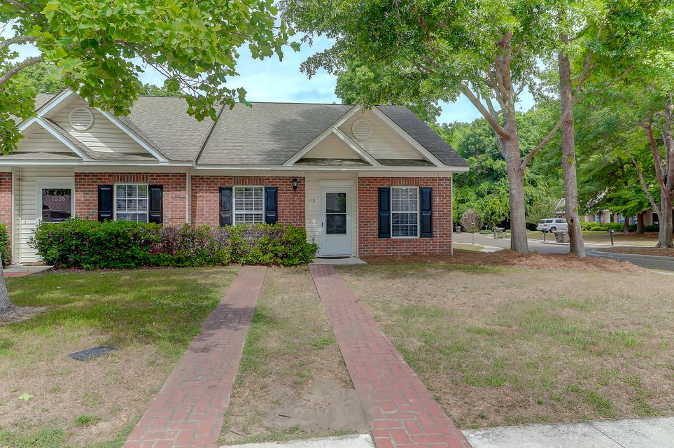 1321 Old Tabby Lane Mount Pleasant, SC 29464
