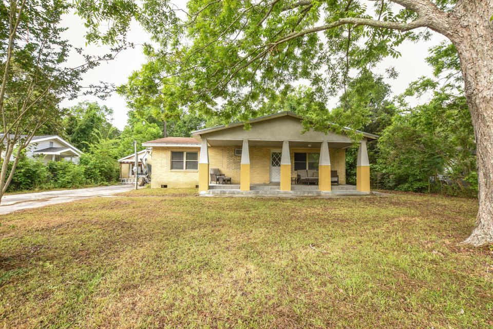 310 W 2ND North Street Summerville, SC 29483