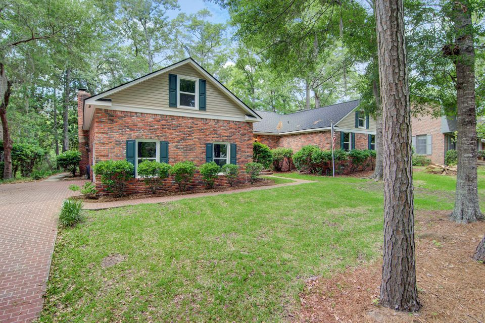 418  Lakeview Drive Summerville, SC 29485