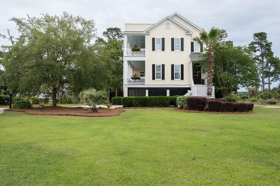 206 Island Point Court Mount Pleasant, SC 29464