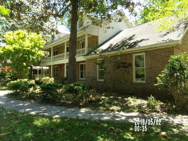 124 Dorchester Avenue Summerville, SC 29483