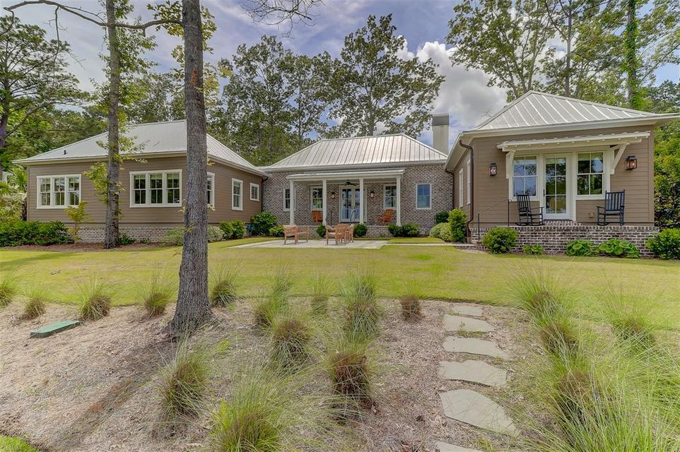 4528 Carriage House Way Ravenel, SC 29470
