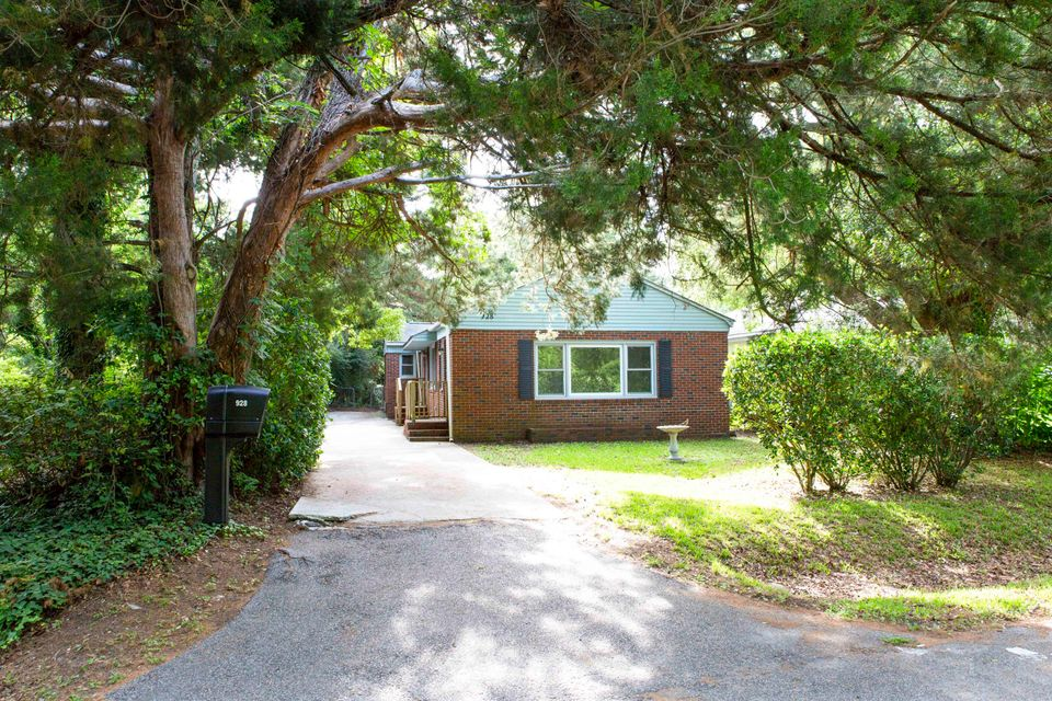 928 Lango Avenue Charleston, SC 29407