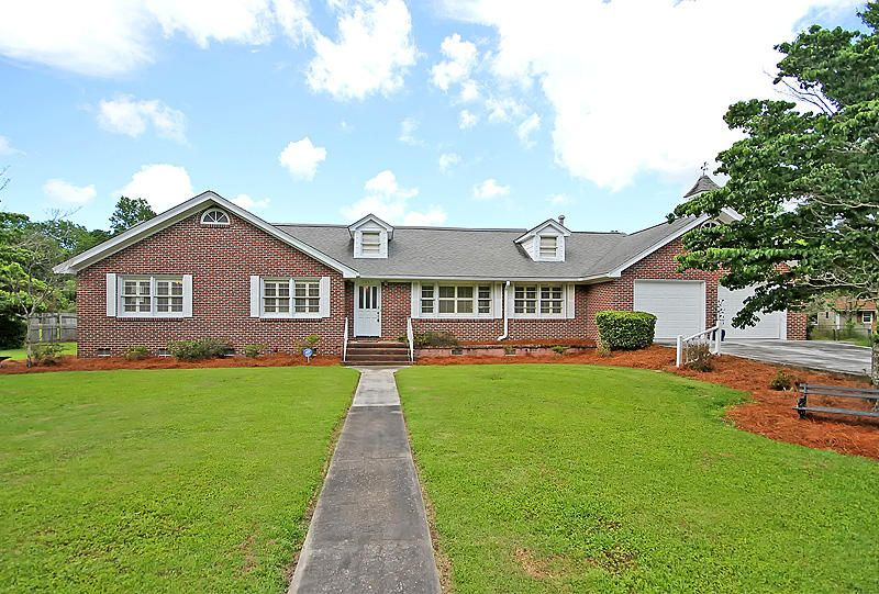 2067 Lake Avenue Charleston, SC 29414