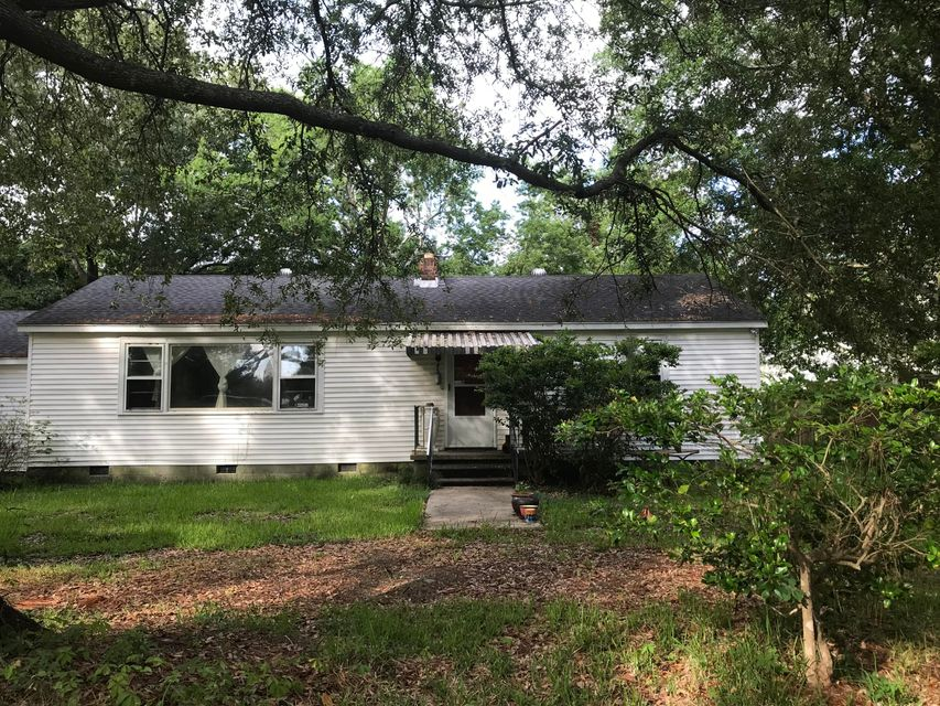 4706 Holbird Street North Charleston, SC 29405