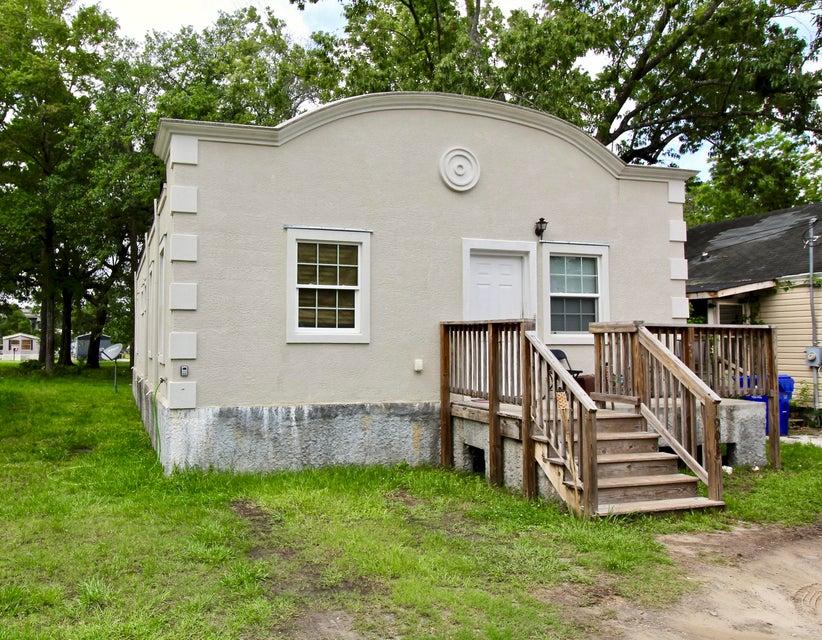 1908 Kerry Street North Charleston, SC 29406