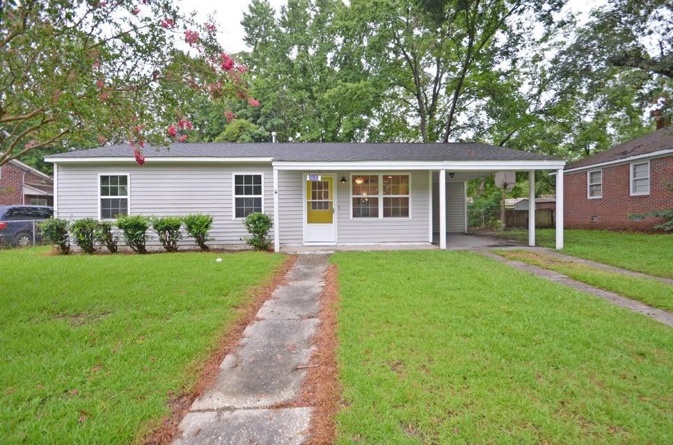 2632 Dellwood Avenue North Charleston, SC 29405