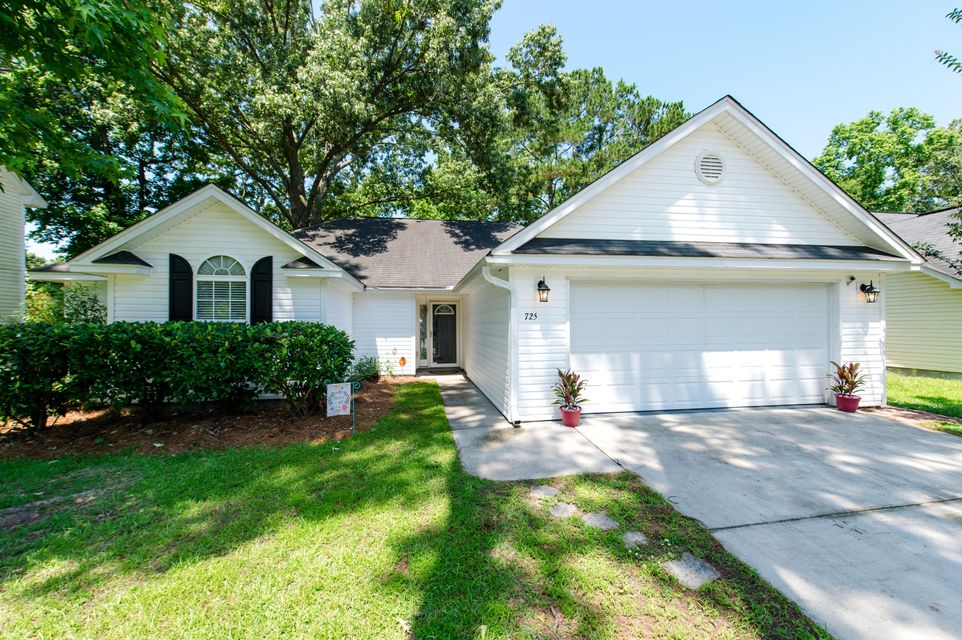 725 Bunkhouse Drive Charleston, SC 29414