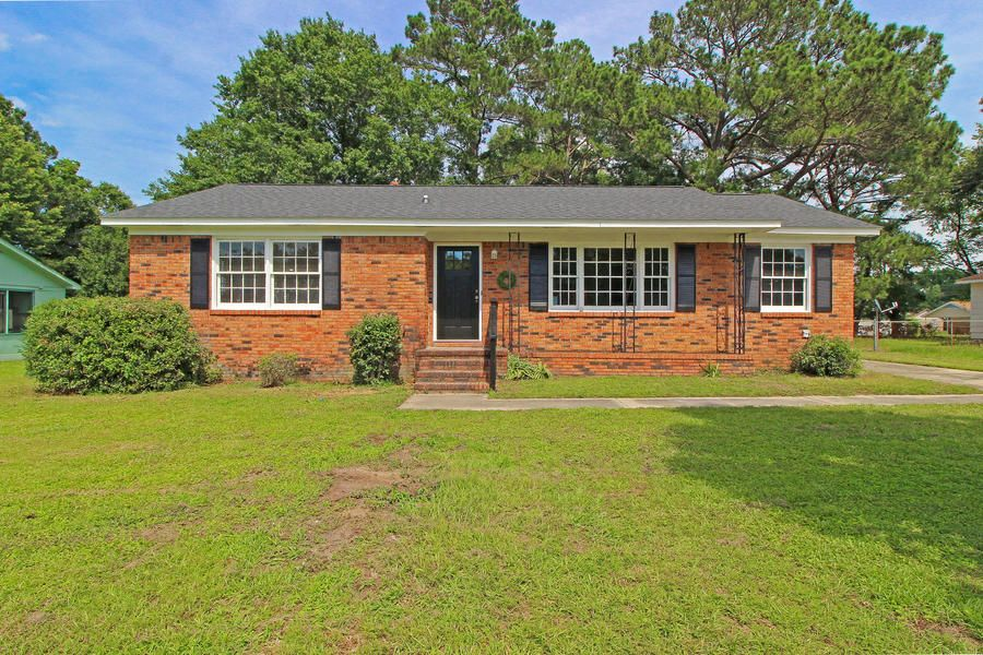 7658 Kings Grant Lane North Charleston, SC 29420