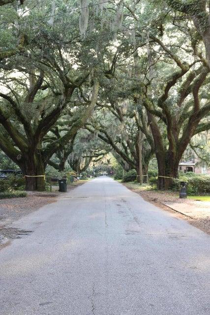2204 Wappoo Drive Charleston, SC 29412