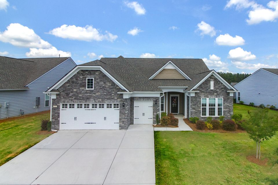 322 Regatta Way Summerville, SC 29486