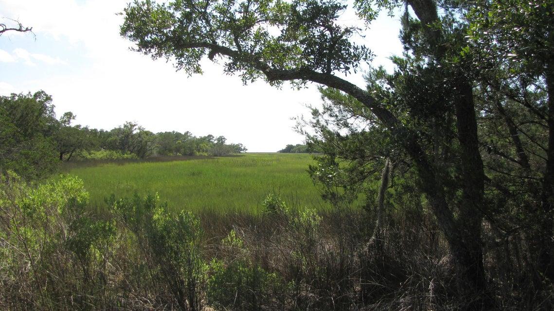 26 Whooping Island Creek Drive Edisto Island, SC 29438