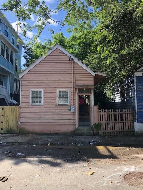 71 Cooper Street Charleston, SC 29403