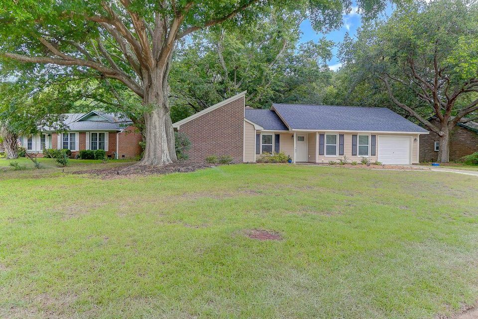1186 Main Canal Drive Mount Pleasant, SC 29464