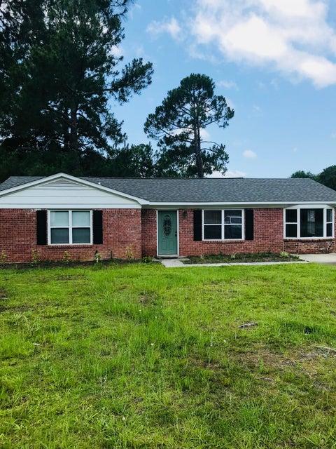 7637 Stonehaven Drive North Charleston, SC 29420