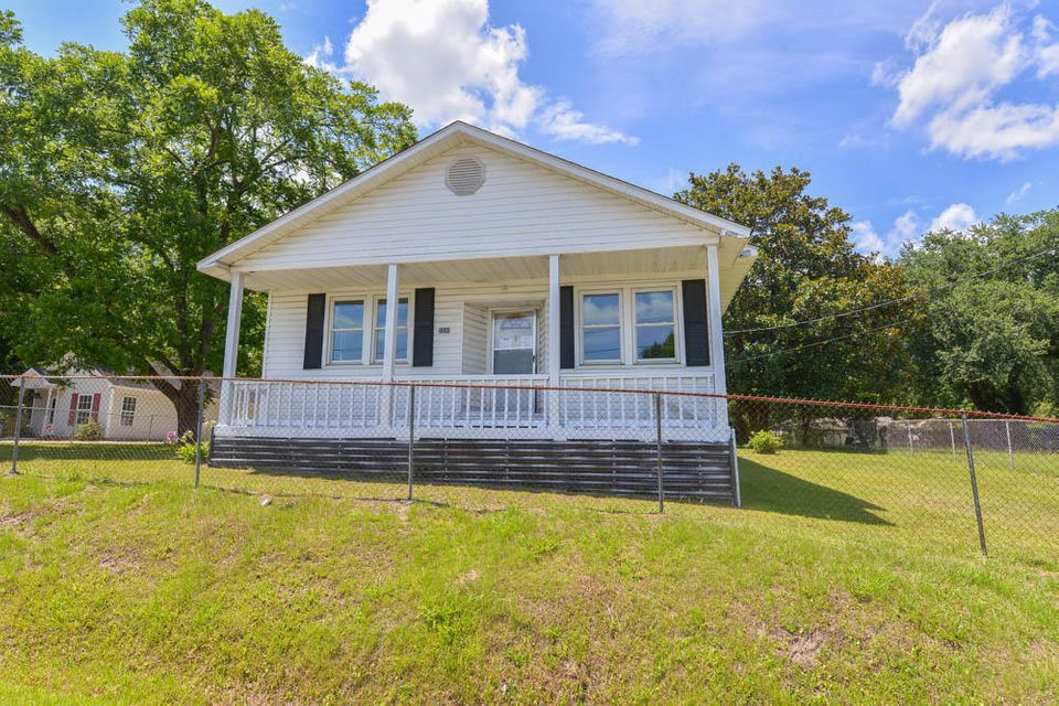 2330 Elder Avenue North Charleston, SC 29406