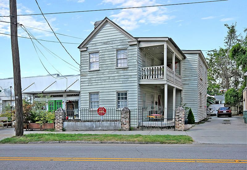 696 King Street Charleston, SC 29403