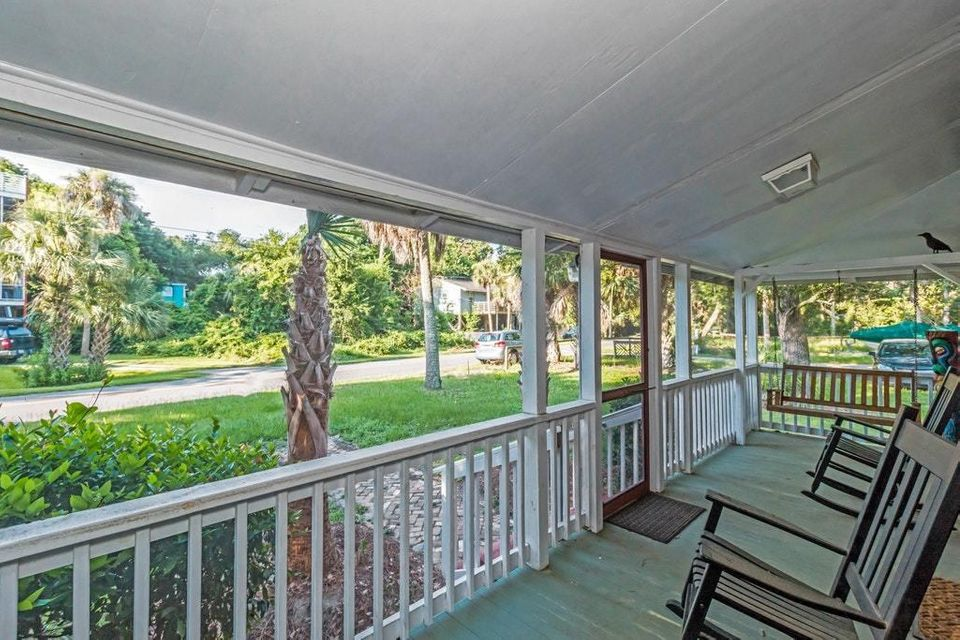 214 E Huron Avenue Folly Beach, SC 29439